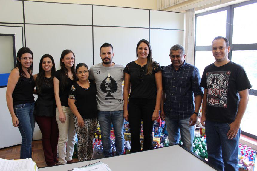 Controladoria arrecada produtos de limpeza e doa para asilos