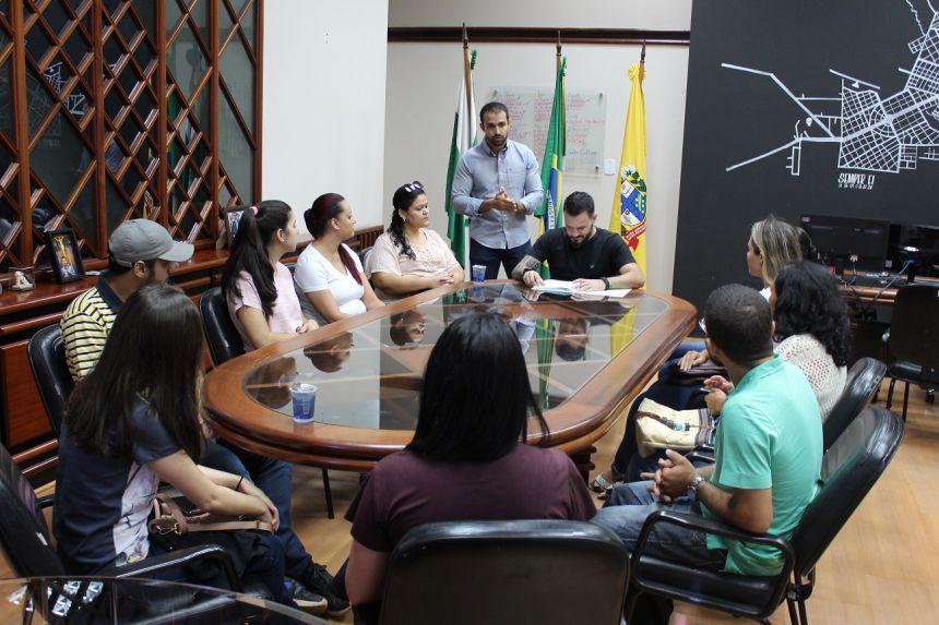 Prefeitura dá posse a 10 novos servidores