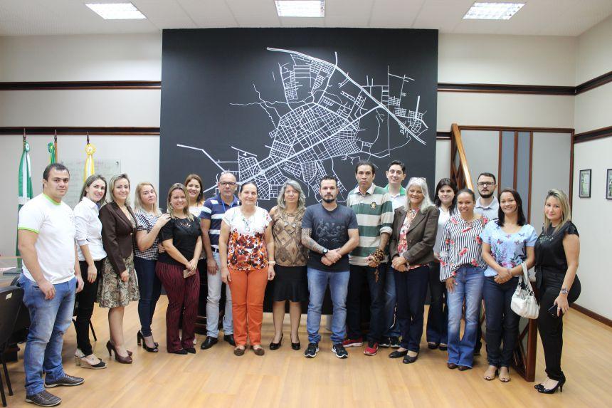 Prefeito KIQ dá passe aos membros do novo Conselho do Fundeb
