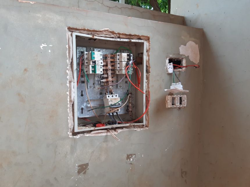 Prejuízo com furto de fiação elétrica e torneiras da Escola Noêmia do Amaral é de R$ 20 mil