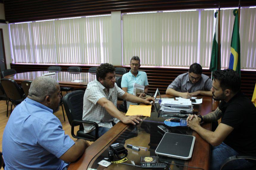 Prefeitura renova contrato para coleta de lixo e operação do aterro sanitário em Paranavaí