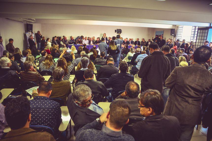 Cida Borghetti e KIQ assinam decreto de abertura do curso de Direito em Paranavaí