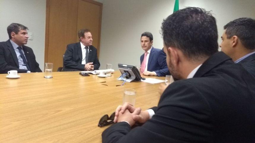 Em reunião com Ministro das Cidades, prefeito KIQ discute liberação de recursos para projetos