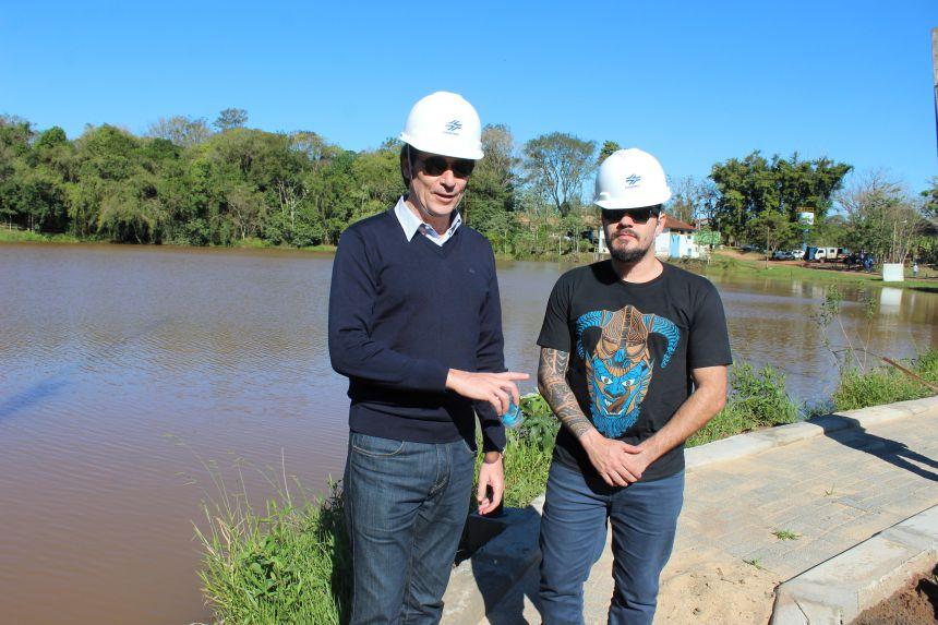 Prefeito KIQ visitou obras e tratou sobre renovação com presidente da Sanepar