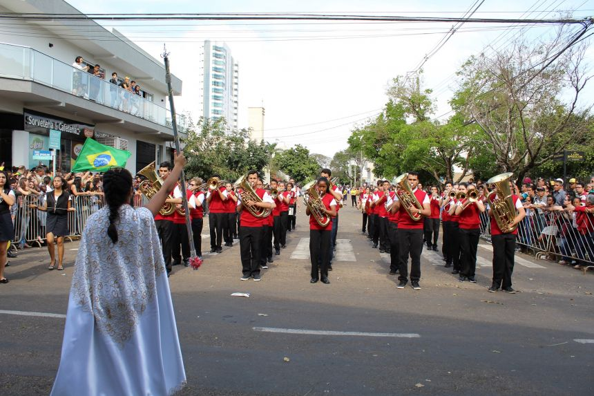Mais de 4 mil pessoas estiveram no Desfile Cívico de 7 de setembro