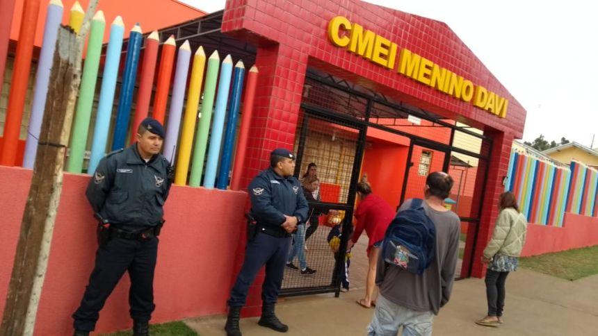 Guarda Municipal faz trabalho de divulgação do número de emergência nas escolas