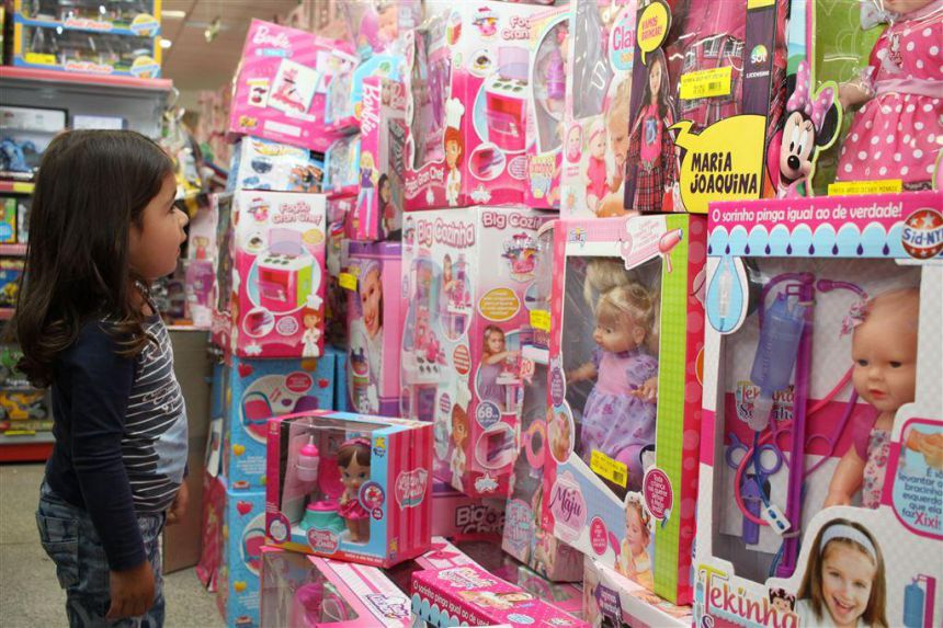 Procon orienta sobre cuidados na hora de comprar brinquedos para o Dia das Crianças