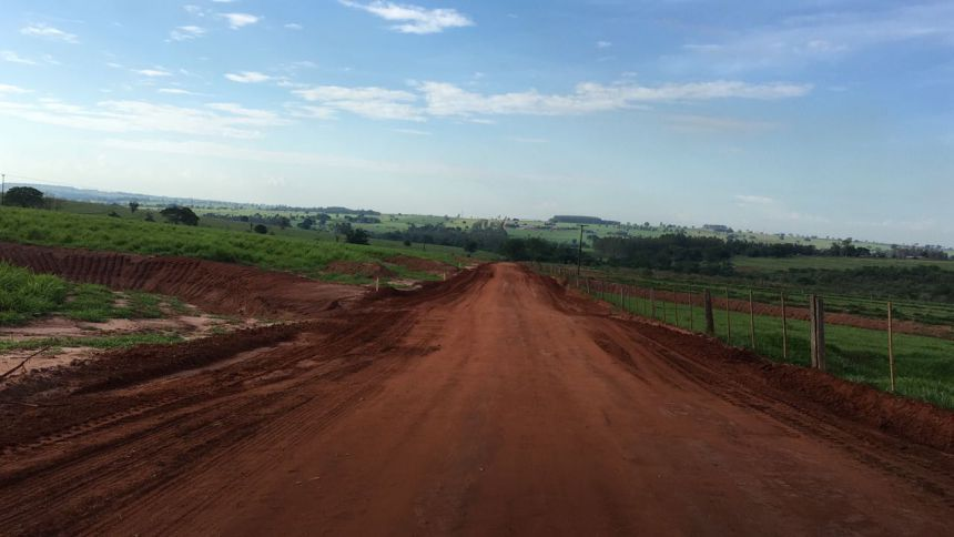 Agricultura recupera quase 8km da Estrada 25