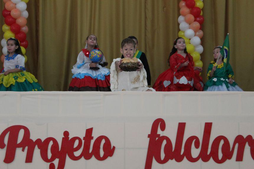 Mais de 900 crianças participam do projeto Folclore: Cultura Brasileira na Escola A