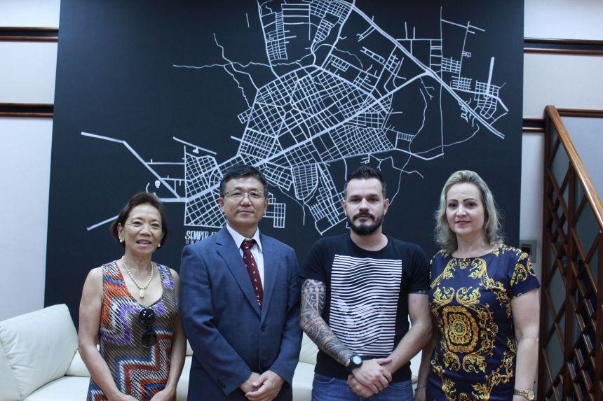Professor do Japão chega a Paranavaí para intercâmbio educacional