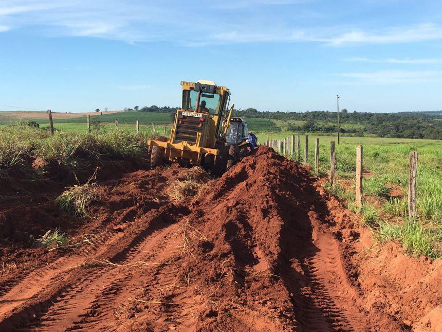 Município trabalha na readequação de estradas que foram afetadas pelas chuvas