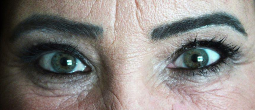 Mulheres atendidas pelo CREAS recebem tratamento de beleza