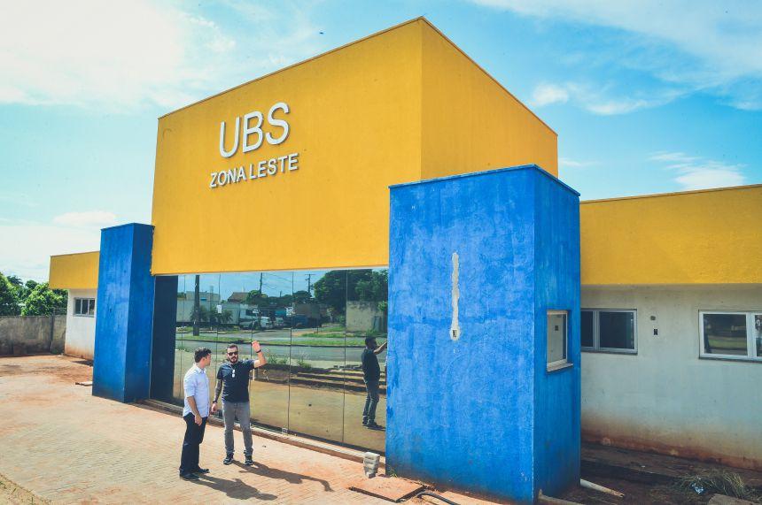 Prefeito KIQ visita obras na UBS Zona Leste