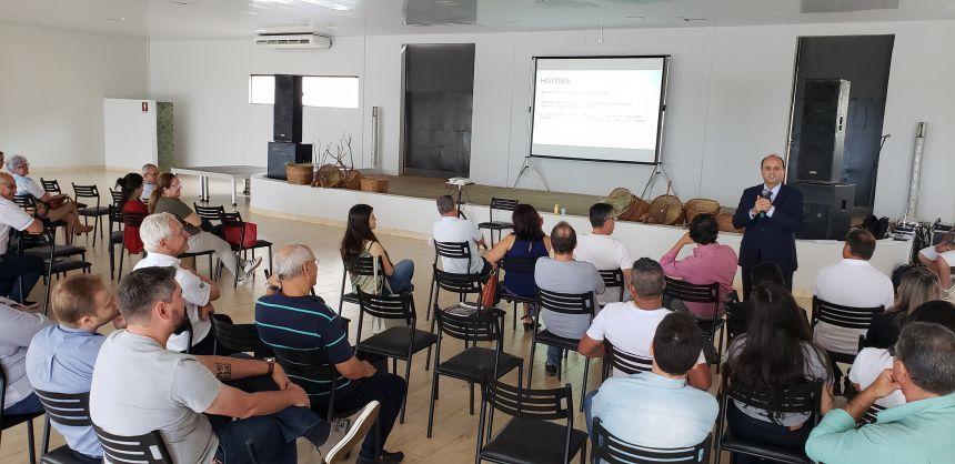 Prefeito de Gramado palestra sobre turismo em Paranavaí