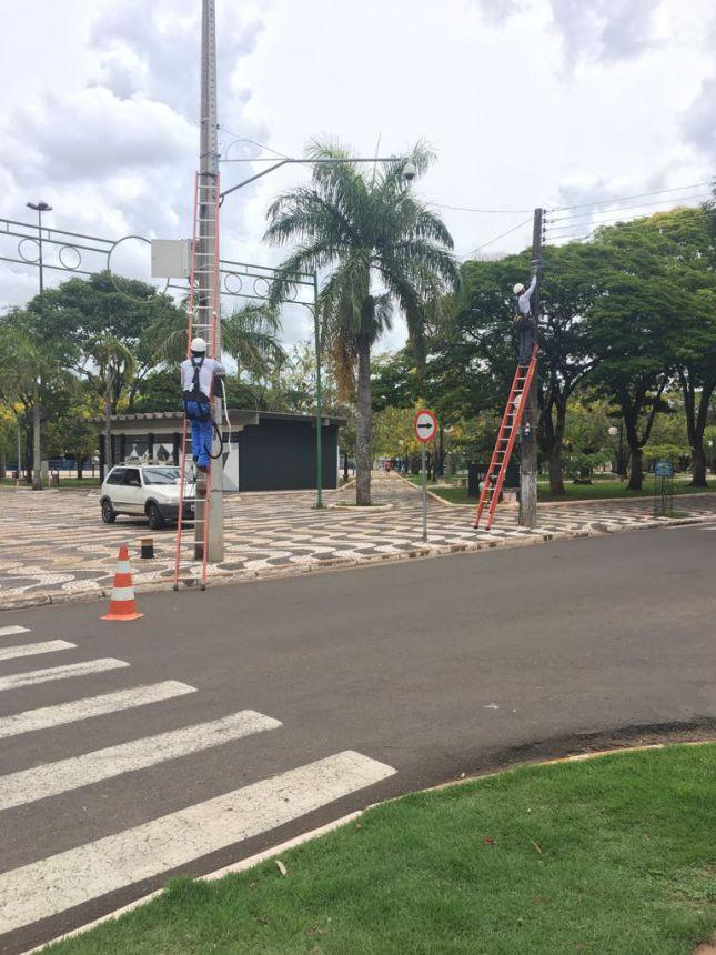 Prefeitura instala internet grátis na Praça dos Pioneiros