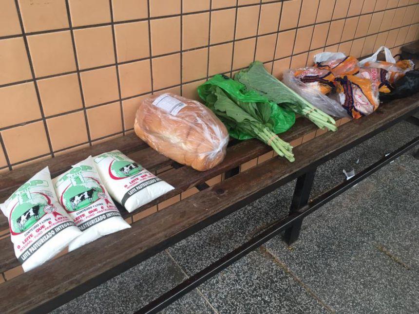 Prefeito constata desvio de alimentos da merenda dos alunos em escola municipal