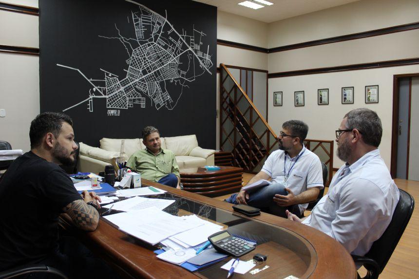 Prefeitura e Sanepar discutem prioridades para possível renovação