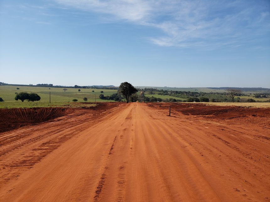 Prefeito KIQ visita estradas rurais e ouve elogios da população