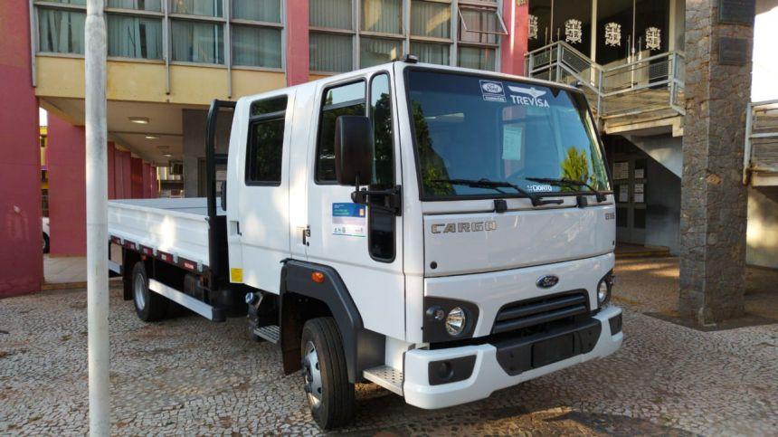Infraestrutura adquire novos caminhões