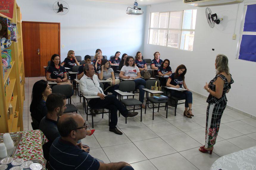 Comitiva de Palotina visita Paranavaí para conhecer ações de sucesso na educação