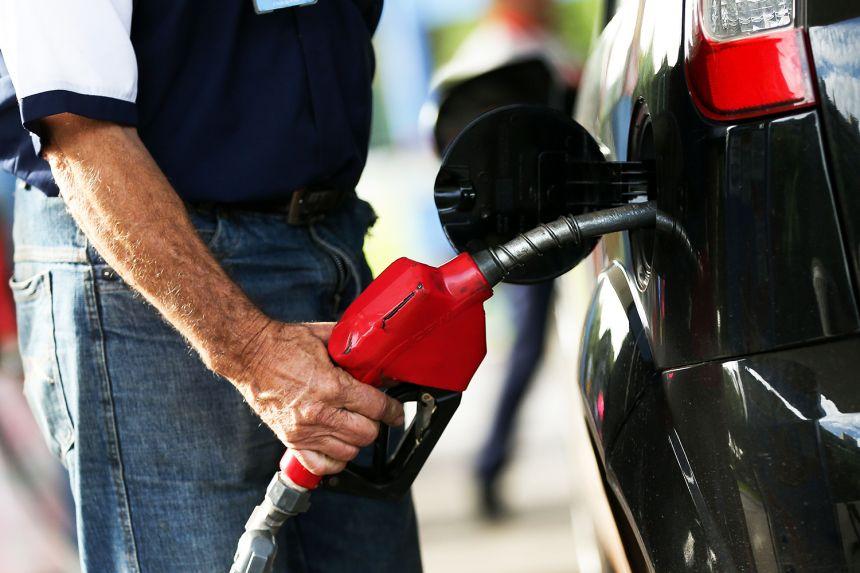 Variação no preço da gasolina comum é de 14,32% segundo pesquisa do Procon
