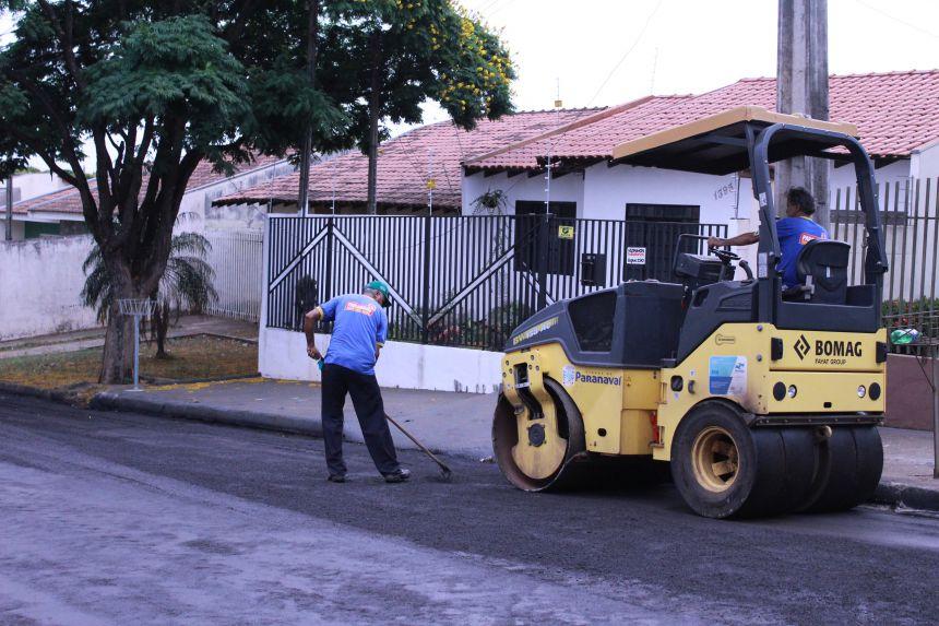 Infraestrutura executa reperfilamento na Rua Antônio José da Silva
