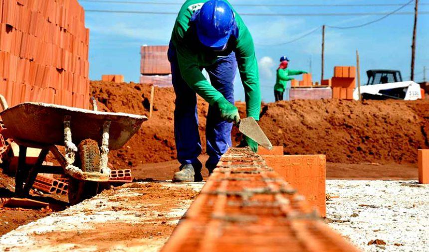 Paranavaí se mantém como 11ª cidade que mais gerou empregos no Paraná em 2017