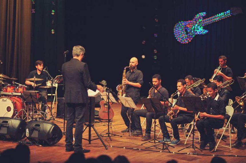 Orquestra de Sopros faz concerto especial em homenagem aos 50 anos da Tropicália