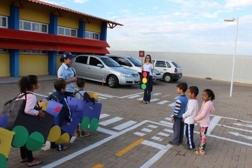 Prefeitura trabalha projeto de educação no trânsito em escola municipal