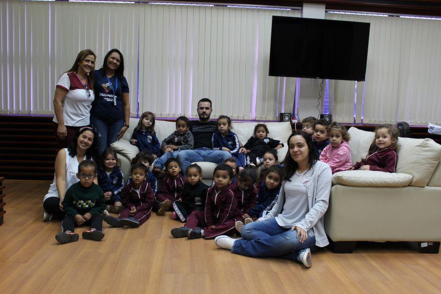 Prefeito KIQ recebe alunos do CMEI Alzira Mendonça