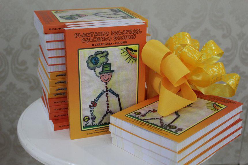 Lançamento da 2ª Coletânea Plantando Palavras, Colhendo Sonhos reuniu mais de mil pessoas