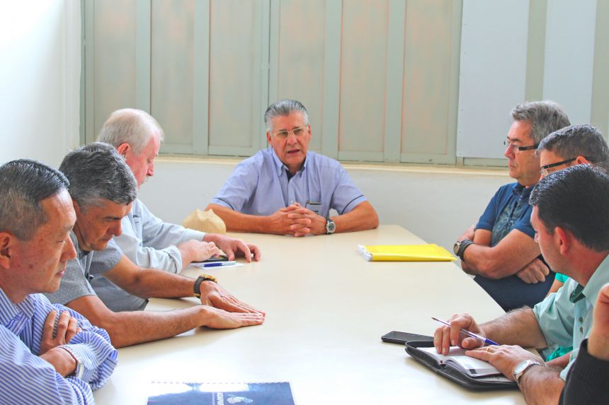 Secretaria busca parcerias para combate à formiga-cortadeira