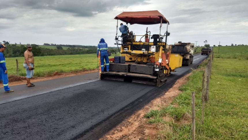 Começa o recapeamento na rodovia entre Graciosa e Mandiocaba