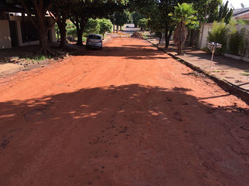 Prefeitura dá prazo para resolver o problema do asfalto na Rua Bahia