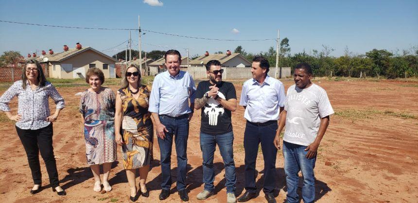 Prefeito KIQ recebe deputado Luciano Ducci para anúncio de obras em Paranavaí